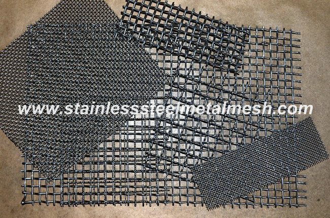 BWG8 (4mm Wire Dia.) Crimped Wire Mesh Aperture Size 25mm